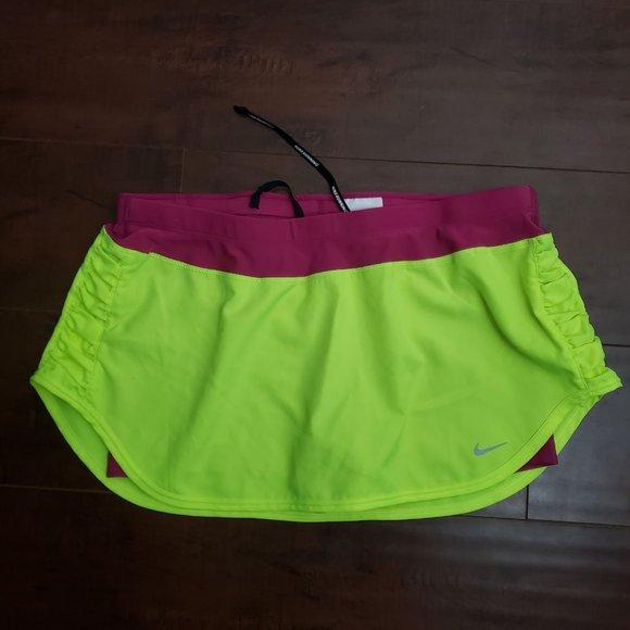 Nike L dry fit athletic short skort
